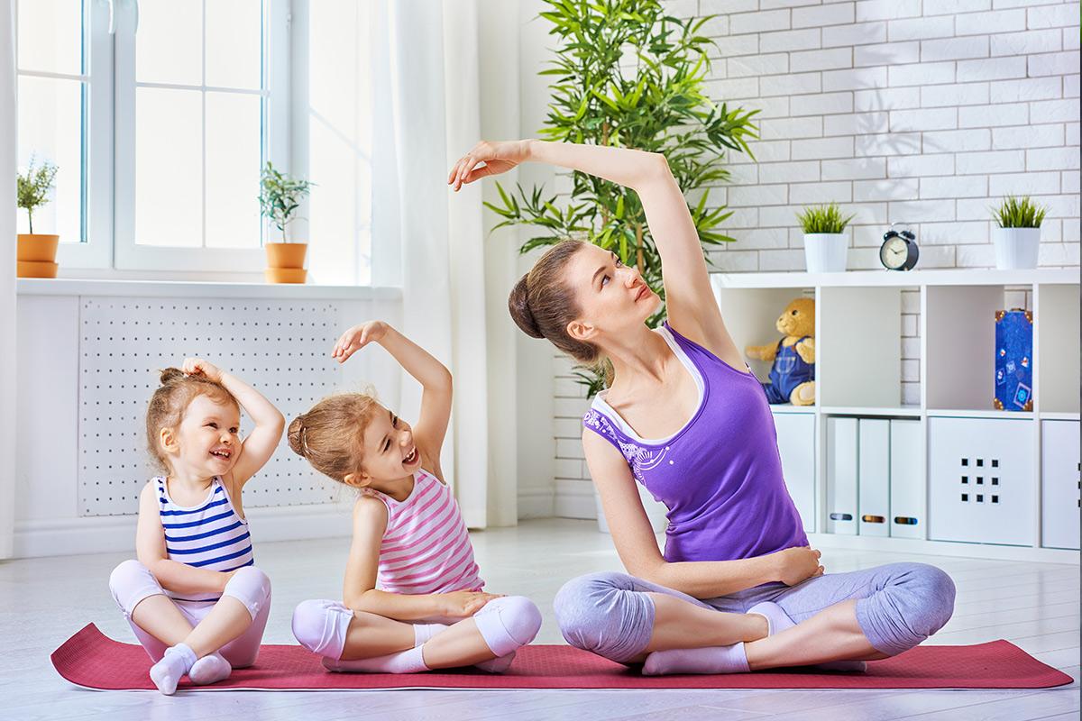 Yoga bisa dilakukan oleh Bunda dan si kecil
