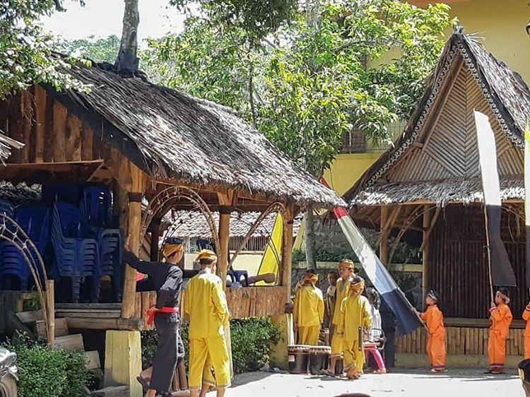 Pesona Kampung Adat Cireundeu Sebagai Wisata Alam
