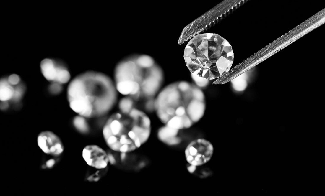 Langkah Gampang Membandingkan Berlian Asli atau Palsu